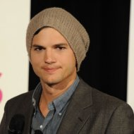 Ashton Kutcher Processa Vivid Entertainment