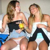Flagras de Meninas Bêbadas Pagando Calcinha em Festas