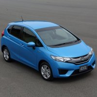 Honda Fit Hybrid - Carro do Ano 2014 no Japão