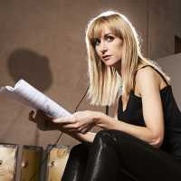 'Class'| Katherine Kelly é a Estrela do Spin-Off de 'Doctor Who'