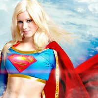 Enji Night Faz Cosplay da Super Girl